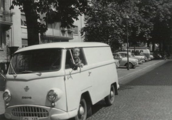 PLUDRA社で最初の社用車(1963年)